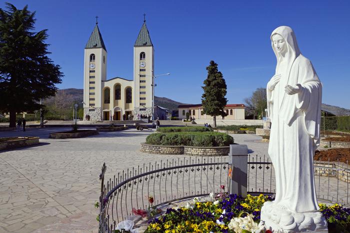 Medjugorje tornou-se um grande centro de peregrinações.