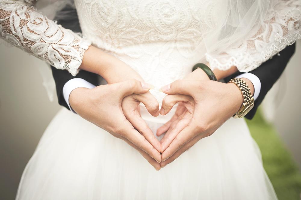 Casamento não é mero evento social, mas tem dimensão pública; não é simples gesto particular, mas precisa de adesão pessoal.