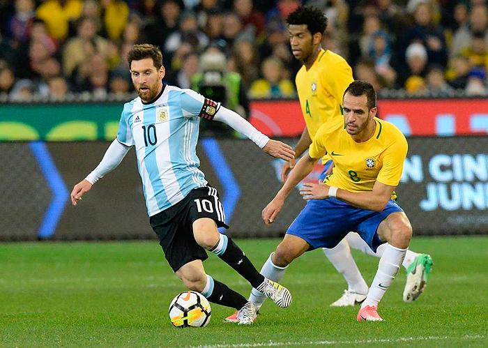 Se por um lado Sampoli contou com Messi, Dybala, Di Maria e Higuaín, do outro Tite preferiu não chamar sete titulares de sua equipe.