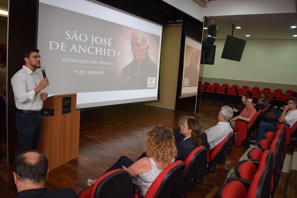 Reitor da EMGE, Franclim Brito conversa com a comunidade acadêmica sobre São José de Anchieta