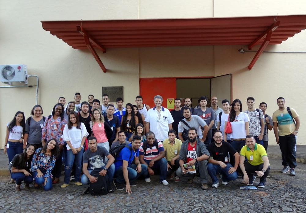 Alunos da EMGE visitam Centro de Desenvolvimento da Tecnologia Nuclear.