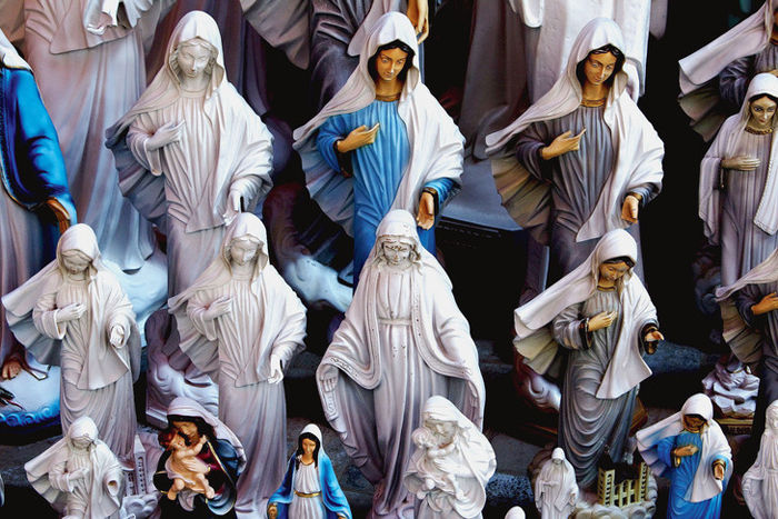 Da Bósnia para o Brasil, os relatos de aparições da Virgem Maria multiplicam. A Igreja Católica é cautelosa sobre o seu reconhecimento.