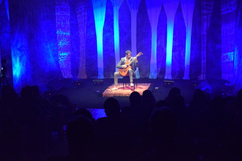 O violão de Christian Reichert em show único no Espaço Dom Helder.