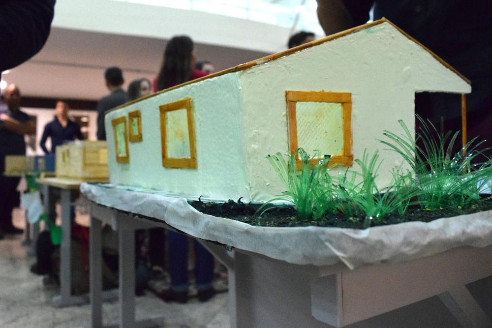 Maquetes construídas em trabalho interdisciplinar foram expostas pelos estudantes da EMGE.