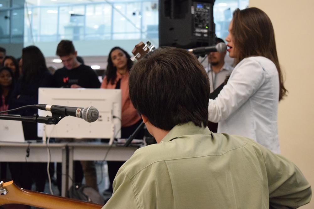 Exposição contou com apresentação artística dos próprio alunos.