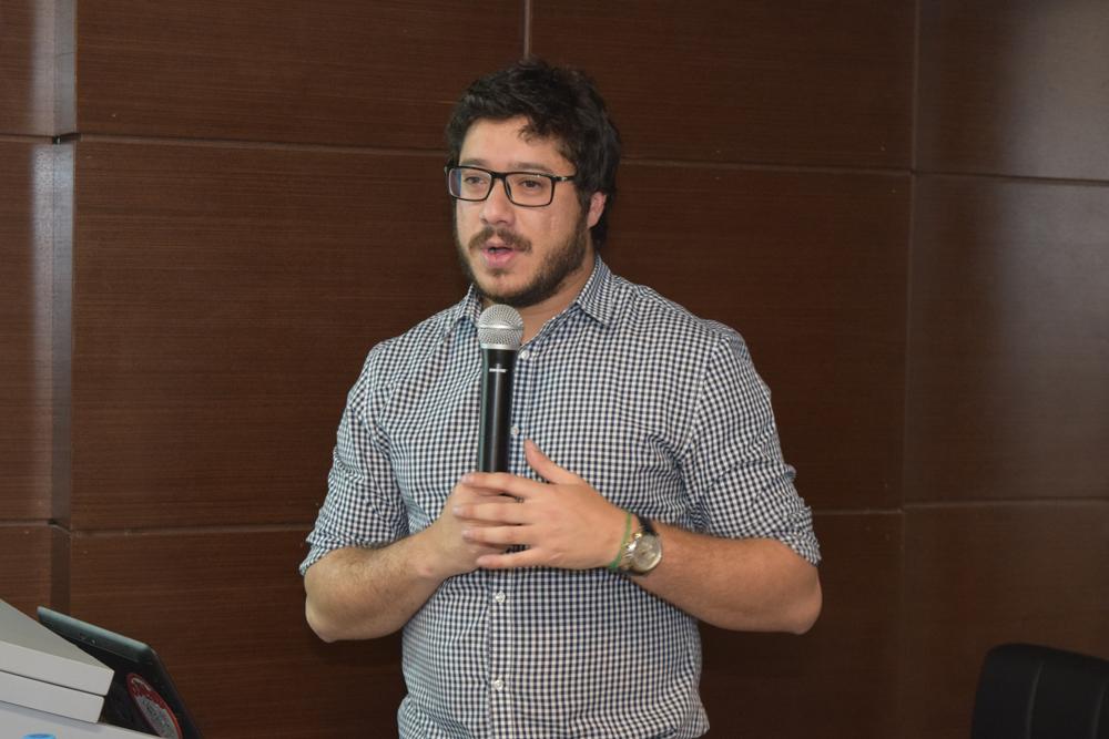 Palestrante Leandro Holanda ministrou a palestra Educação e Tecnologia.