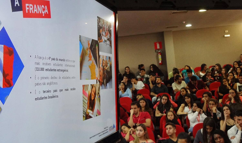 Organizada pelo Centro de Simulação, oficina atraiu dezenas de estudantes