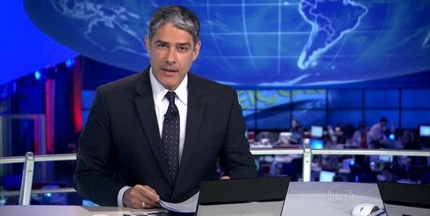 O Jornal Nacional é o que mais omite e finge informar.