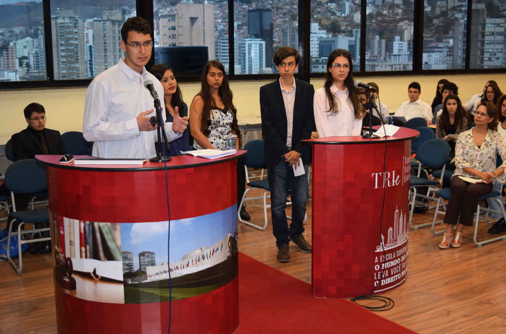 Primeiro dia de apresentações da quinta fase do Tribunal Internacional Estudantil (TRI-e).