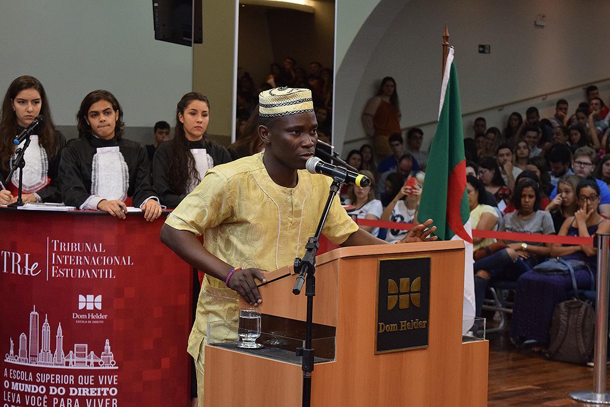 A Costa do Marfim convocou  Abdoul Razack Fassassi, cidadão do Benin e estudante de Economia na UFMG