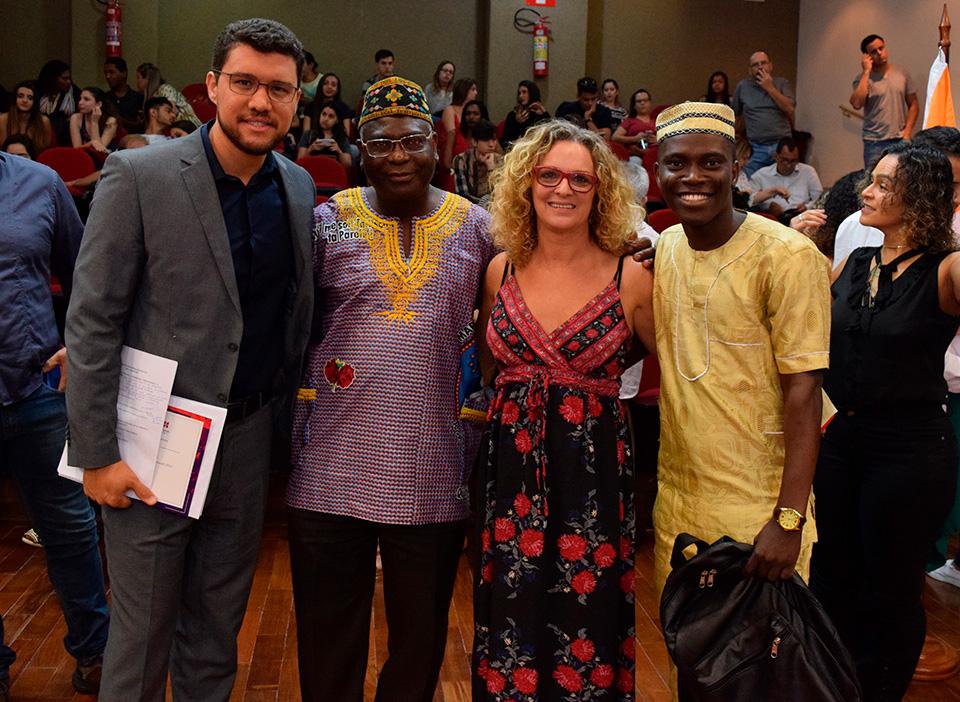 Franclim Jorge Sobral de Brito, Kiwonghi Bizawu, Rita Cácia Stumpf e Abdoul Razack Fassassi.