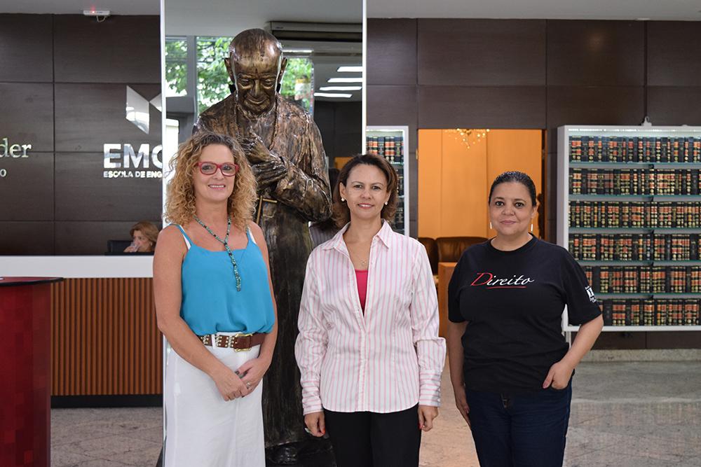 Coordenação do Vestibular (da esquerda para direita): Cácia Stumpf, Anacélia Rocha e Djoá Ferreira.