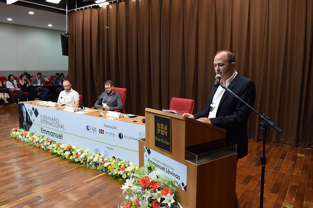 As sessões temáticas foram realizadas no Espaço Cultural Dom Helder, no Santa Efigênia, em Belo Horizonte (MG).