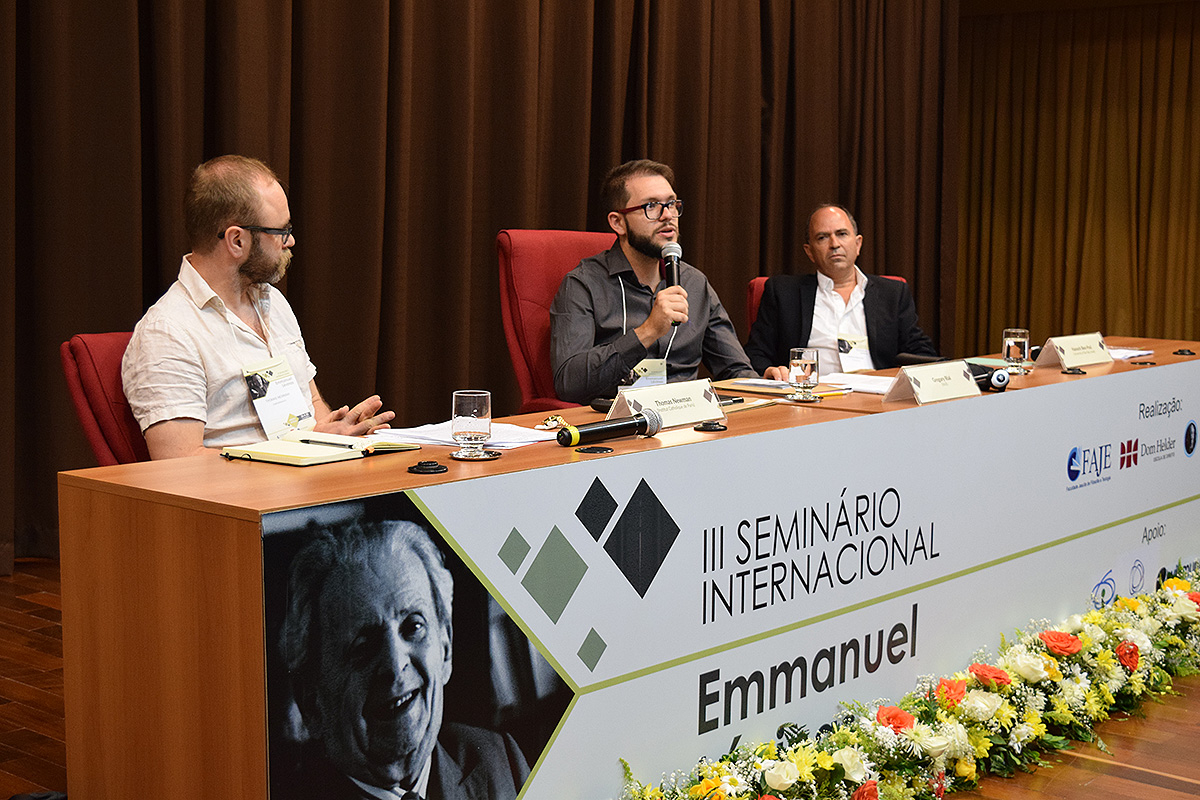 Thomas Newman (Institut Catholique de Paris), Gregory Rial (FAJE) e Hanoch Ben-Pazi (University of Bar Illan, Israel).