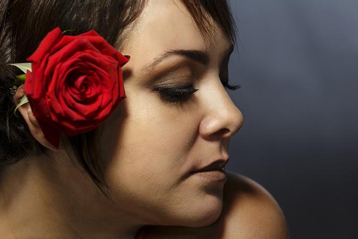 O álbum possui nove faixas que transitam entre o Rock, Pop, Reggae e ritmos brasileiros, como o baião.