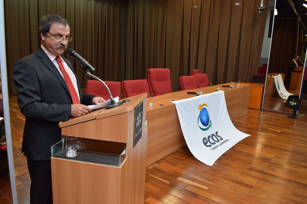 Um dos coordenadores do Movimento Ecos, Luiz Chaves, foi o apresentador dos debates.