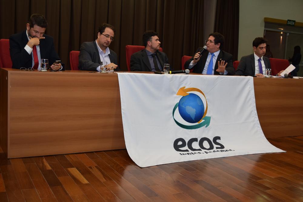 O Procurador do Estado de Minas Gerais Onofre Alves Batista Júnior durante o seminário sobre dois anos da tragédia de Mariana.