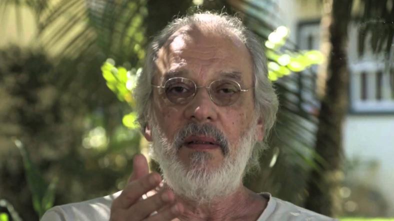 Charles Peixoto tornou-se um dos nomes mais expressivos da dita poesia marginal brasileira