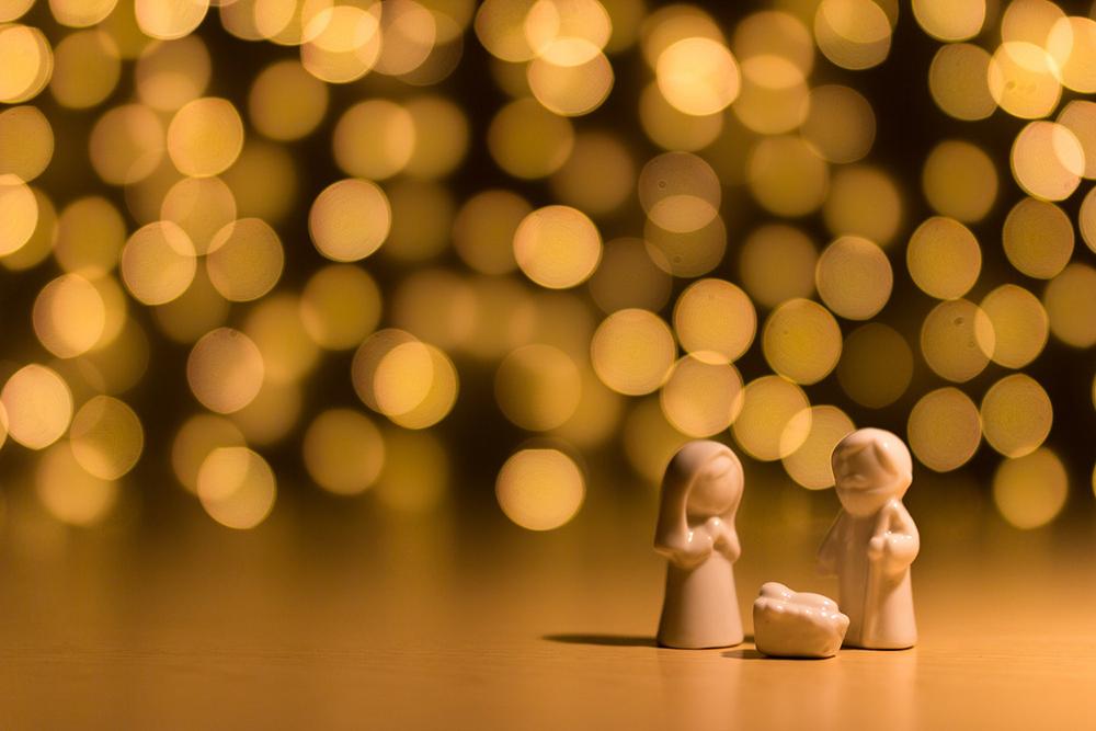Só mesmo voltado ao Menino Jesus da manjedoura é que se cumpre rastrear o verdadeiro e único caminho para encontrar o remédio eficaz aos males dolorosos, os quais perseguem o mundo e a humanidade.