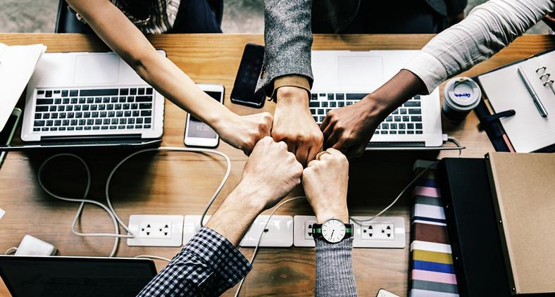 Os executivos devem entender a importância da tecnologia, desafiando suas equipes a exercerem a criatividade continuamente. (Pixabay)