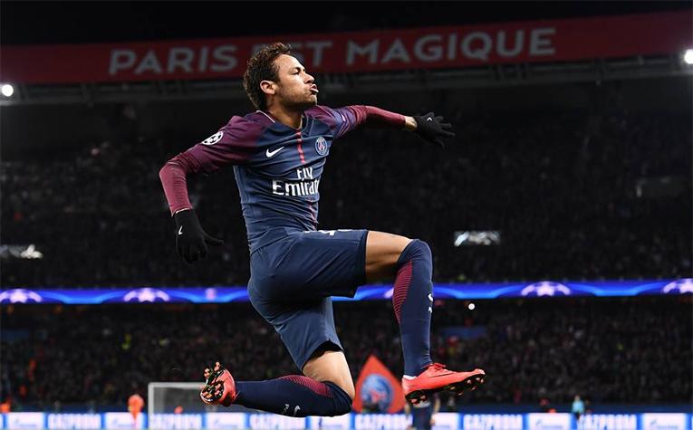 No país do futebol não se questiona o talento do astro da Seleção, mas sim sua imagem de menino mimado.
