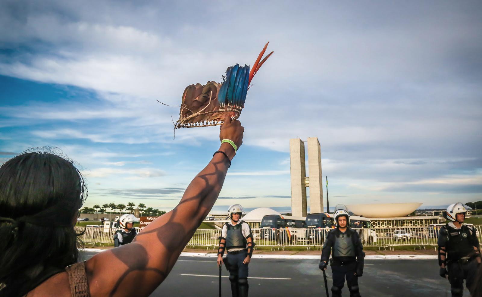 Manifestação durante Acampamento Terra Livre de 2017.
