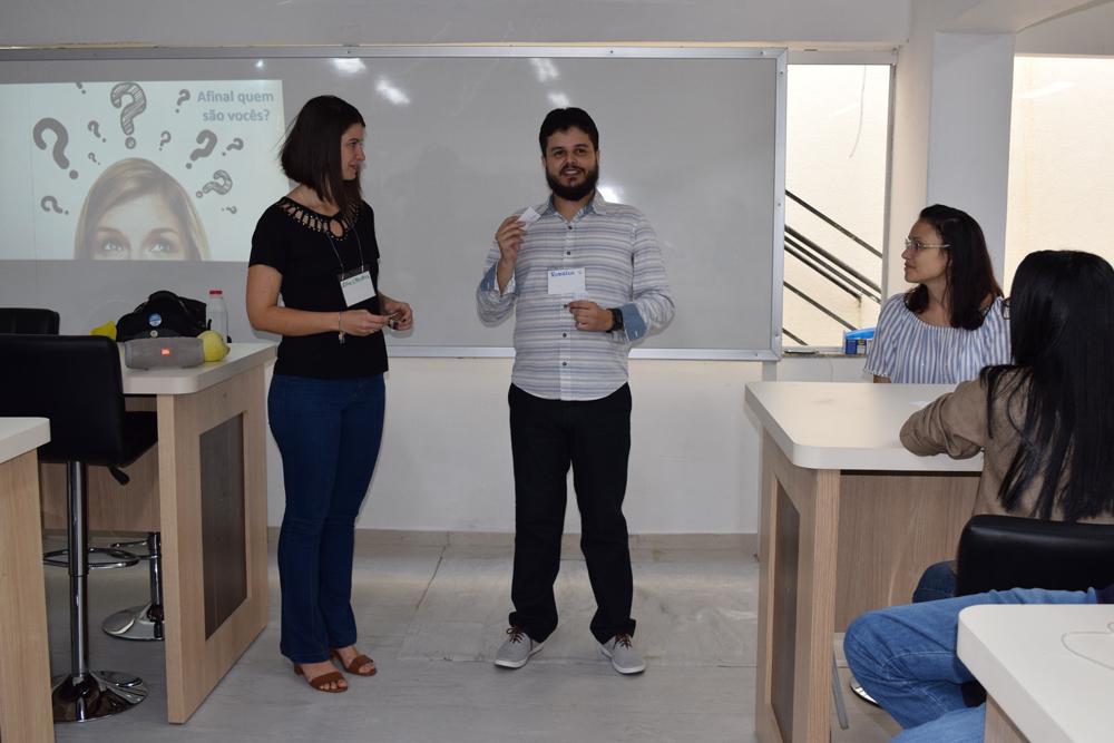 Professores Aline Oliveira e Rodrigo Miranda na abertura do workshop.