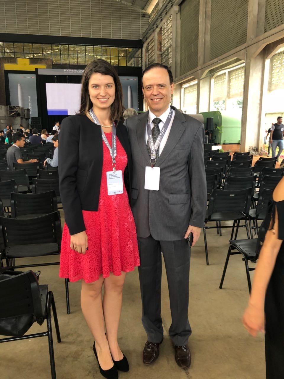 Professores Aline Oliveira e José Antônio Sousa, da EMGE.
