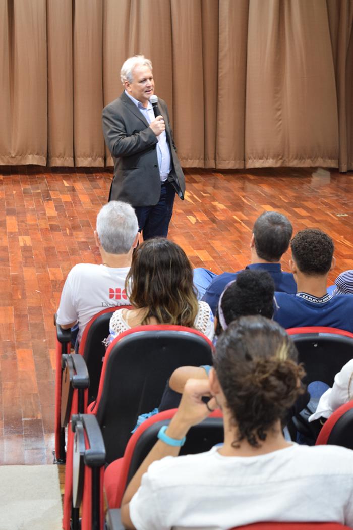 O superintendente de Juventude, Ensino Médio e Educação Profissional da SEE, Wladmir Coelho, afirma que o Ecos possibilita o cumprimento de uma parcela importante da legislação que trata da educação ambiental.