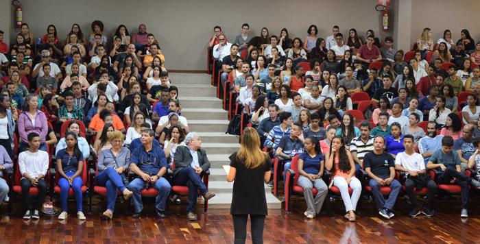 Escolas participantes do Movimento Ecos desse ano são apresentadas por seus coordenadores.