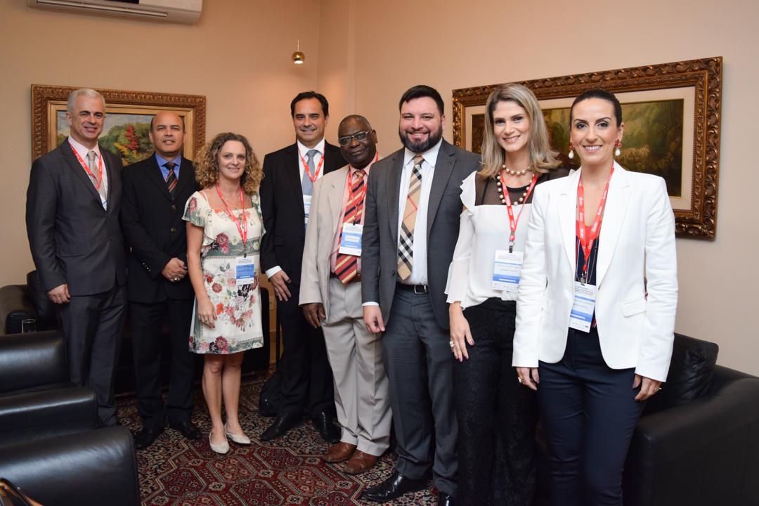 Professores e autoridades acadêmicas da Dom Helder no congresso Direito Administrativo em Tempos de Lava Jato: dia 08/05