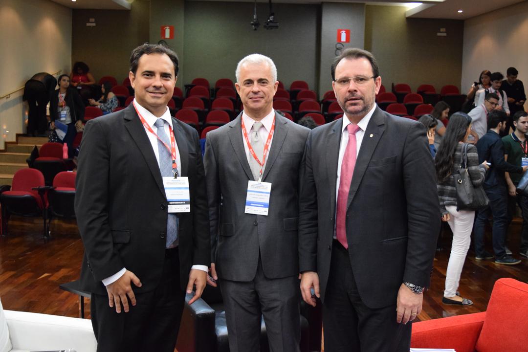Jurista e professores Gustavo Magalhães, José Carlos Machado Júnior (Dom Helder e juiz federal) e o procurador Douglas Fischer (MPF).