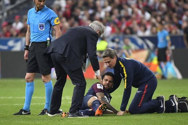 Lateral Daniel Alves não vai disputar a Copa da Rússia