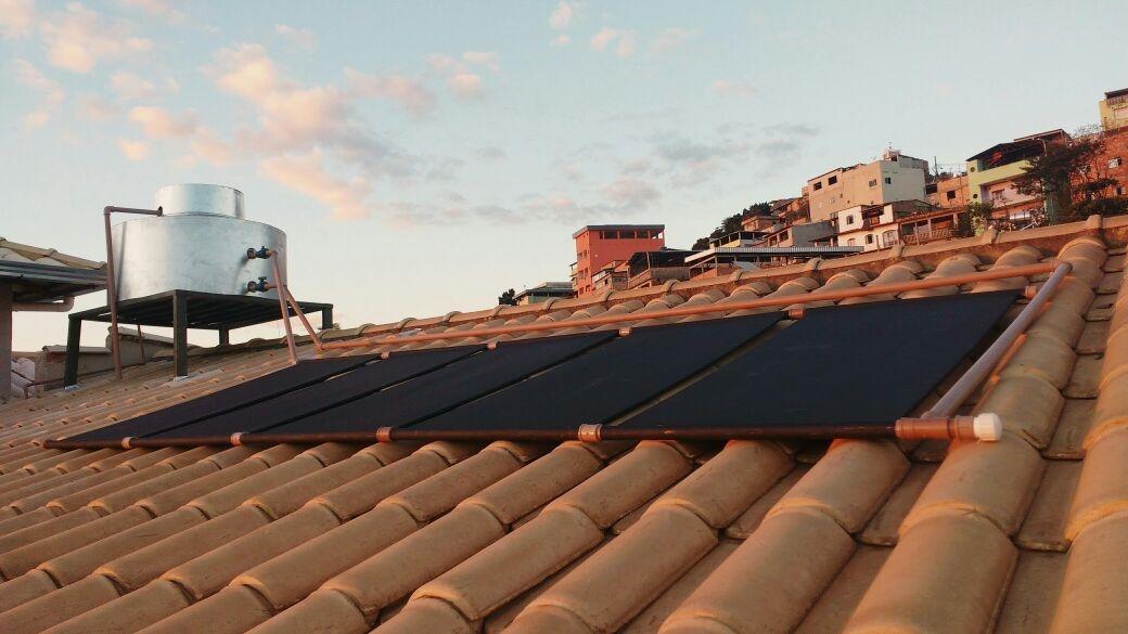 O monitor solar Rafael Xavier garante que o cidadão gastará a metade do preço do aquecedor tradicional.