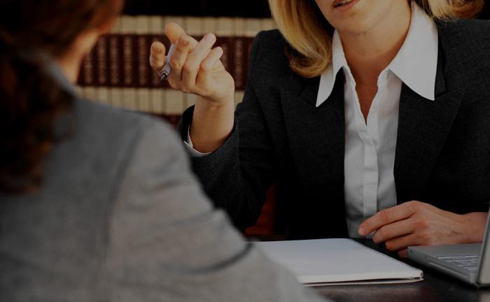 Quando a sentença condenatória se fundar em depoimentos, exames ou documentos comprovadamente falsos é possível propor a revisão criminal.