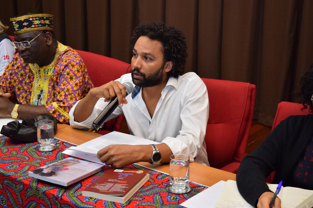 O professor da Dom Helder Pedro Matos falou sobre o livro que o grupo de pesquisa lançou na noite desta segunda