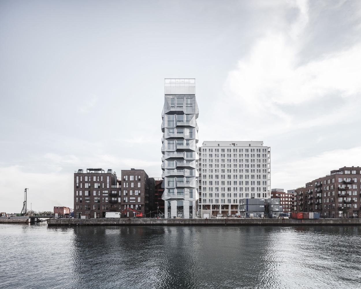 Melhor Edifício em Altura – Europa: The Silo / COBE