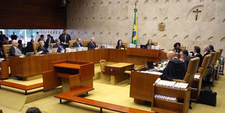 Até o momento, há 4 votos a 2 para derrubar liminar do ministro Gilmar Mendes