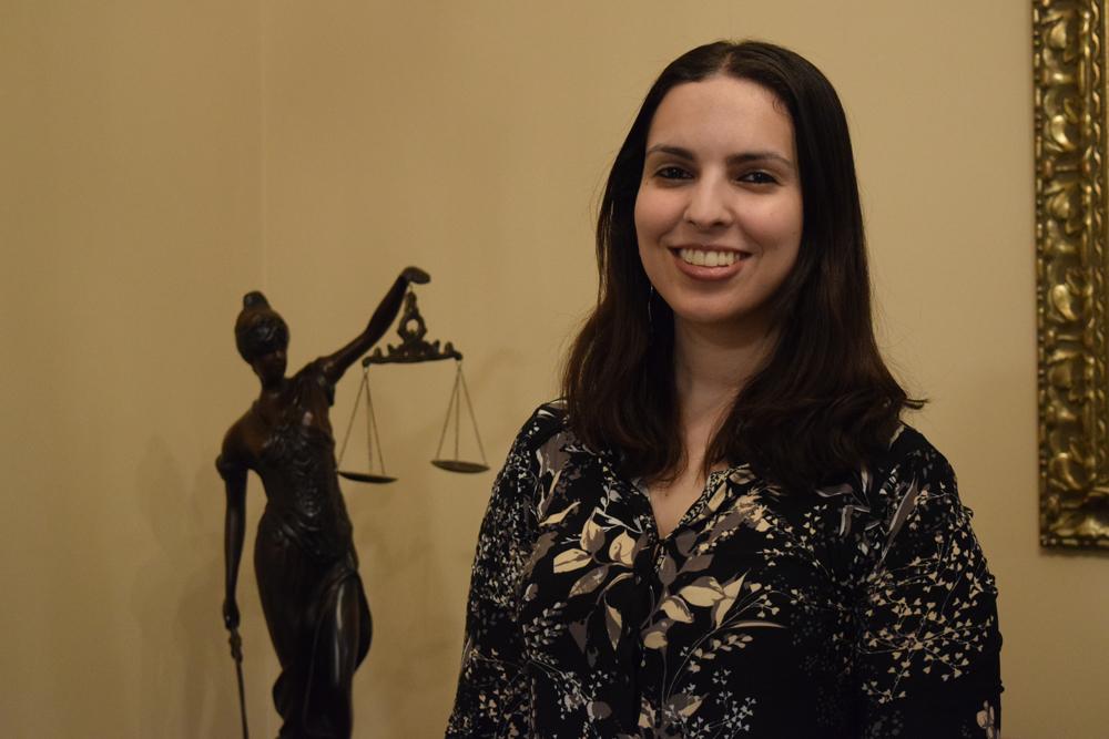 Christiane Costa Assis é professora de metodologia de Pesquisa e Teoria Geral do Estado e Ciência Política.