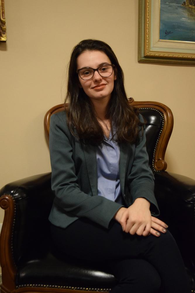 Luíza Couto Chaves Brandão é Fundadora, Diretora e Pesquisadora do Instituto de Referência em Internet e Sociedade.