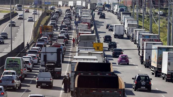 O tabelamento mínimo do frete foi uma das condições aceitas pelo governo para o fim da paralisação nacional dos caminhoneiros que durou 11 dias em maio.