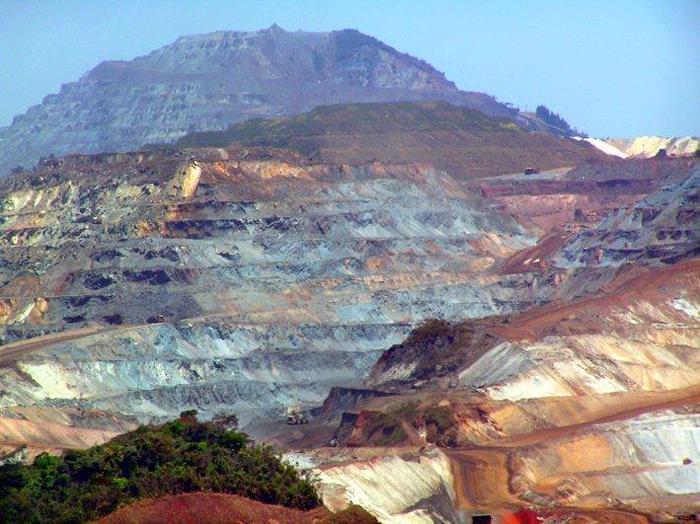 O minério extraído no solo itabirano há 76 anos se transforma em utilidades para povos de todos os países.