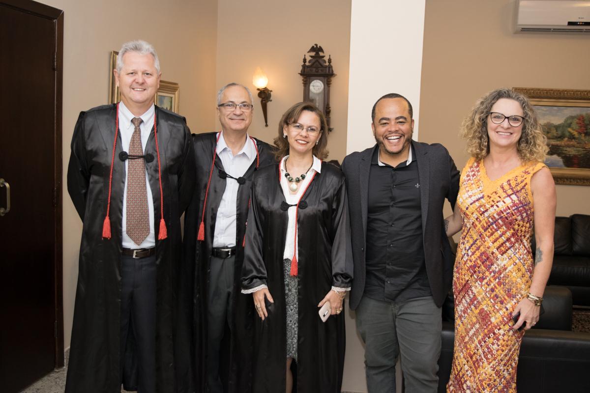 Pró-reitor de Extensão, Francisco Haas, vice-reitor, Estêvão D'Ávila Freitas, Rogério Márcio Fonseca Vieira, e a pró-reitora administrativa Cácia Stumpf.