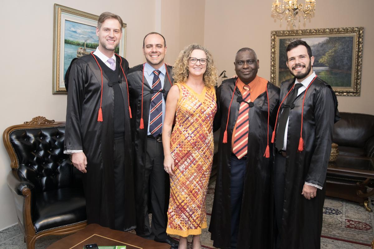 Renato Campos Andrade, Magno Federici Gomes, Cácia Stumpf, Kiwonghi Bizawu e Thiago Loures Machado Moura Monteiro.