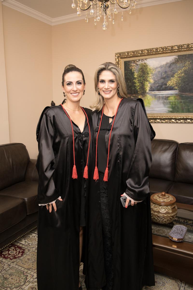 Professoras Lívia Maria Cruz Gonçalves de Souza e Adriana Freitas Antunes Camatta.