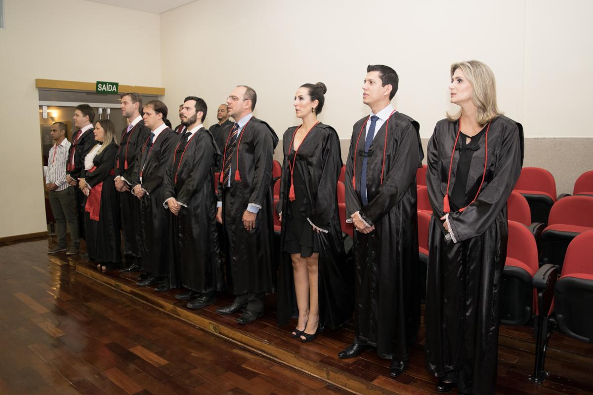 Professores e funcionária homenageados pela turma.