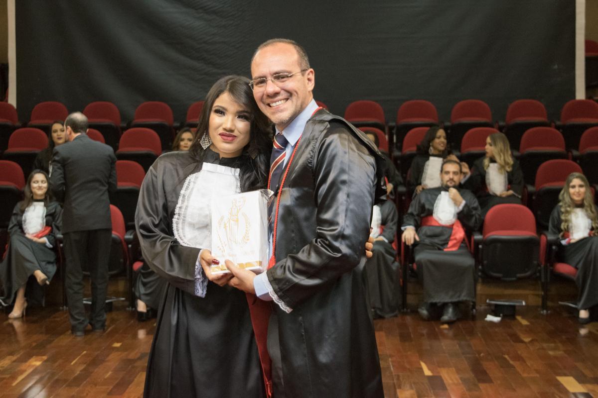 Dayane Perpétuo Ferreira homenageia Magno Federici Gomes.