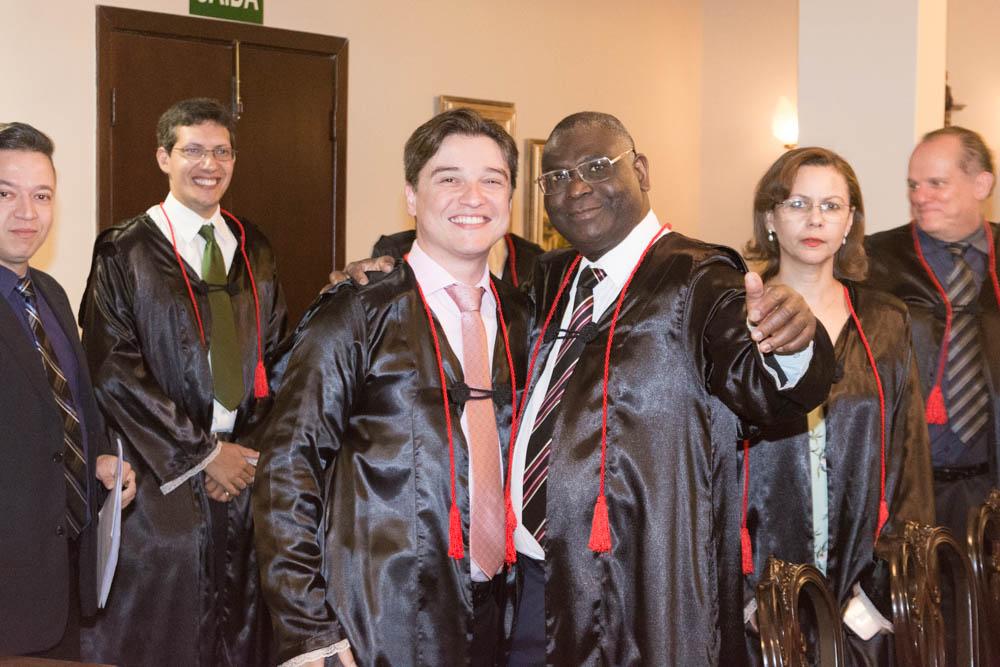 Os professores Fernando Tolentino e o Sebástien Kiwongui.