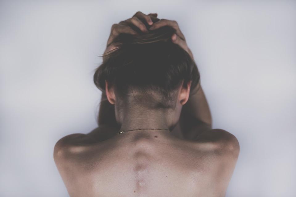 Abortar é um drama da consciência entre a razão e o peso da culpa.