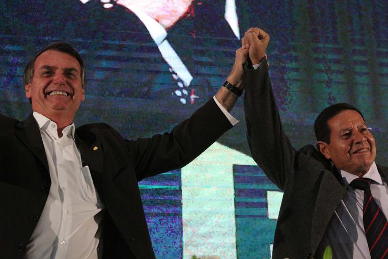 O PSL, partido de Bolsonaro e seu vice, o general Hamilton Mourão, é ao lado do DEM os partidos com menor representatividade feminina.